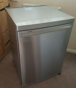 Siemens Larder Refrigerator fridge Undercounter Stainless Steel