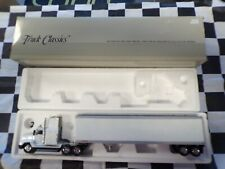 Tonkin 1:53 Scale Tractor Trailer Diecast Model F8544 Collector Series