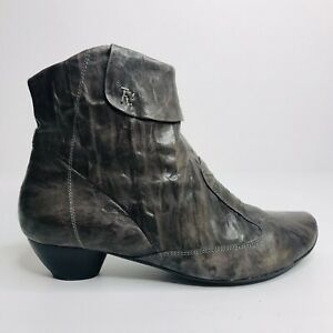 Think! Women's Boots Grey Textured Leather Low Heel Sustainable Ankle US 9 EU 40