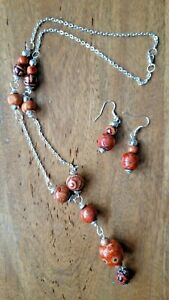 Pretty wooden pendant and earrings - Silver Plated