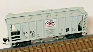 HO Scale, Roundhouse Kerr-McGee 34' Covered Hopper with Knuckle Couplers