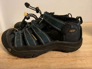 KEEN Toddler Boy Sandals Size 10   Blue. Clean