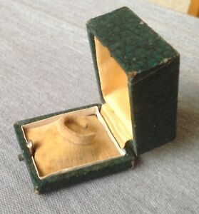 Vintage Antique Velvet Box Case for Ring Jewellery Victorian