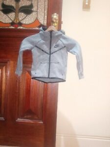 Nike Grey Giddie Size 2 To 3 Years Brand New Without Tags