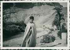 Algérie, Jeune Arabe, Tenue Tradionnelle   Vintage silver print, Provenant d&#03