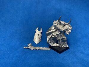 Archaon A Pie Warhammer Age Of Sigmar Edicion Especial