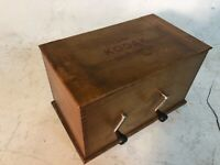 ANTIQUE KODAK WOODEN BOX FILM TANK DEVELOPER 2 CRANKS INSIDE CONTENTS ARE FREE
