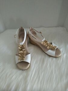 Michael Michael Kors Cate Nicki Womens Sandals Wedge Heel White and Gold Size 5