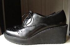 Clarks Narrative Designer Leather Ladies Wedge Pump Shoe Size 4.5 D Brogue