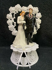 heart Bride Groom Figure Winter Wonderland Snow Snowing Wedding Cake Topper coat