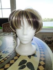 Cute short brown mixed with blond hair wig . new   LQQK AT ME