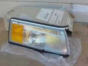 NOS 1987 1988  Nissan Maxima RH Corner Marker Light  New Assembly 26114-38E60
