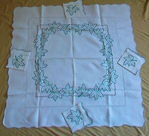 "5 pc Off White Linen Tablecloth Napkin Set Embroidered Green Oak leaf 38"" Square"