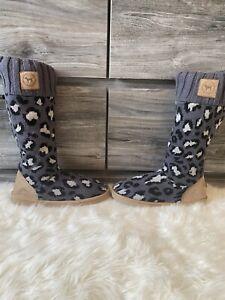 Victoria's secret PINK mukluk slipper boots size medium NEW