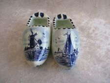 Vintage Pair of Hand Painted Delft Blue Holland Dutch Shoe-Shaped Ashtrays