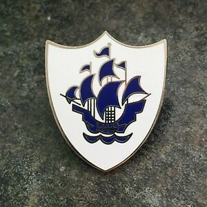 BLUE PETER ENAMEL PIN BADGE | NOVELTY KIDS TV SHOW | BEST QUALITY