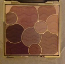 You Will Treasure This Eyeshadow Palette! Stunning Colors, Luxurious Style!