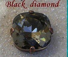 1 cabochon carré 12 mm serti black diamond, cristal de swarovski.