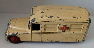 Daimler Ambulance - Dinky - 253 -  Original