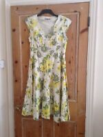 Ladies Kew Yellow White Floral Short Sleeve Lined Dress - Size 14
