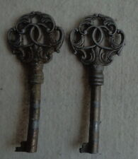 Brocante antiek 2x baardsleutel sleutel 8,4cm set cast iron skeleton key antique