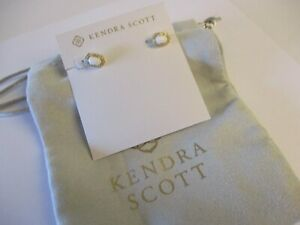 KENDRA SCOTT CADE GOLD STUD EARRINGS IN PEARL WHITE & JEWELRY BAG #55