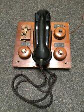 Uraltes Wandtelefon von Siemens mit 4 Holzklingeln