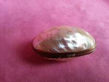 Belle ancienne boite œuf à chapelet en nacre