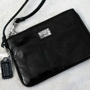 NWT COACH Poppy 46116 Onyx Black Glossy Patent Leather  Small Wristlet NEW