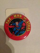 VINTAGE 1982 TM DC COMICS - SUPERMAN THE MAN OF STEEL BUTTON  <<NEW<<