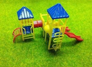 HO 1:87 Scale Childrens Playground Park with Slides Set for model train layout