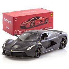 Modellini statici di auto, furgoni e camion neri per Ferrari