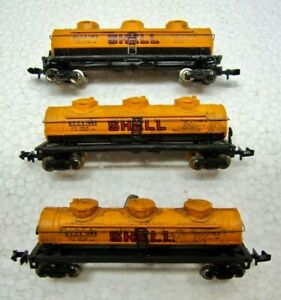 Lot of 3 N Scale Bachmann Shell Oil Weathered 3 Dome Tank Cars SCCX 1245