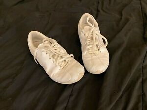 NIKE CHEER SHOES ALL WHITE GIRLS WOMENS SIZE 8  ALL CLEANED UP REFER TO PICTURES