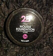 New 2B Mousse Foundation Ivoire 04