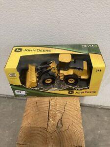 Ertl 37013 John Deere Wheel Loader 1/50 Die-cast MIB
