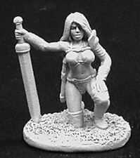 Reaper Miniatures - 02759 - Dena, Female Barbarian - DHL
