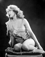 """FAY WRAY IN THE 1933 FILM CLASSIC """"KING KONG"""" - 8X10 PUBLICITY PHOTO (FB-307)"""