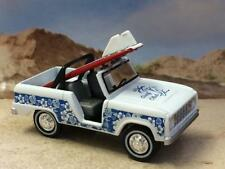 Surfs Up 1968 68 FORD BRONCO 4X4 Beach SUV 1/64 Scale Limited Edition W12