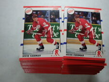 Lot of 100 - 1990-91 Score # 3 Steve Yzerman ( Detroit Red Wings )  HOF