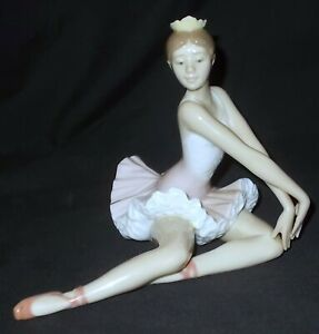 Lladro GRACEFUL POSE # 6174 Figure - Made in Spain