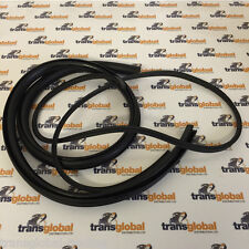 Land Rover Defender Truck Cab / Pick Up Corner Window Rubber Seal 5mm - Bearmach