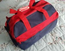 Mens Medium Duffle/Holdall/Gym/Holiday/Sports Bag