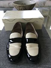 Andre Assous Sybil Black & White Patent Leather Loafer Size 10B