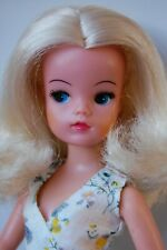 Sindy doll. Blonde active hard head  Lovely Lively with centre parting. 033055x