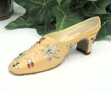 Willitts - On Sale - Just the Right Shoe Summer Buzz, Yellow #25232 Circa 2002