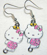 #2708 Beautiful Hello Kitty Lady Bug in Pink  Metal Charms Dangle Earrings