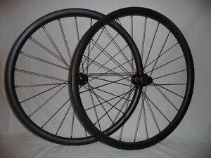 Light and extra wide 30mm deep (22mm int) disc brake gravel/road bike wheels