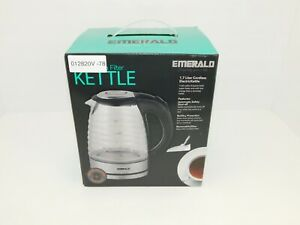 Emerald 1.7 Liter Glass Kettle in Black w/ Ribbed Design (1353) New