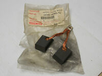 """NEW LOT OF 3 NATIONAL CARBON MOTOR BRUSH AY 2/""""LENGTH 1-1//8/""""WIDTH 1//2/""""THICK"""
